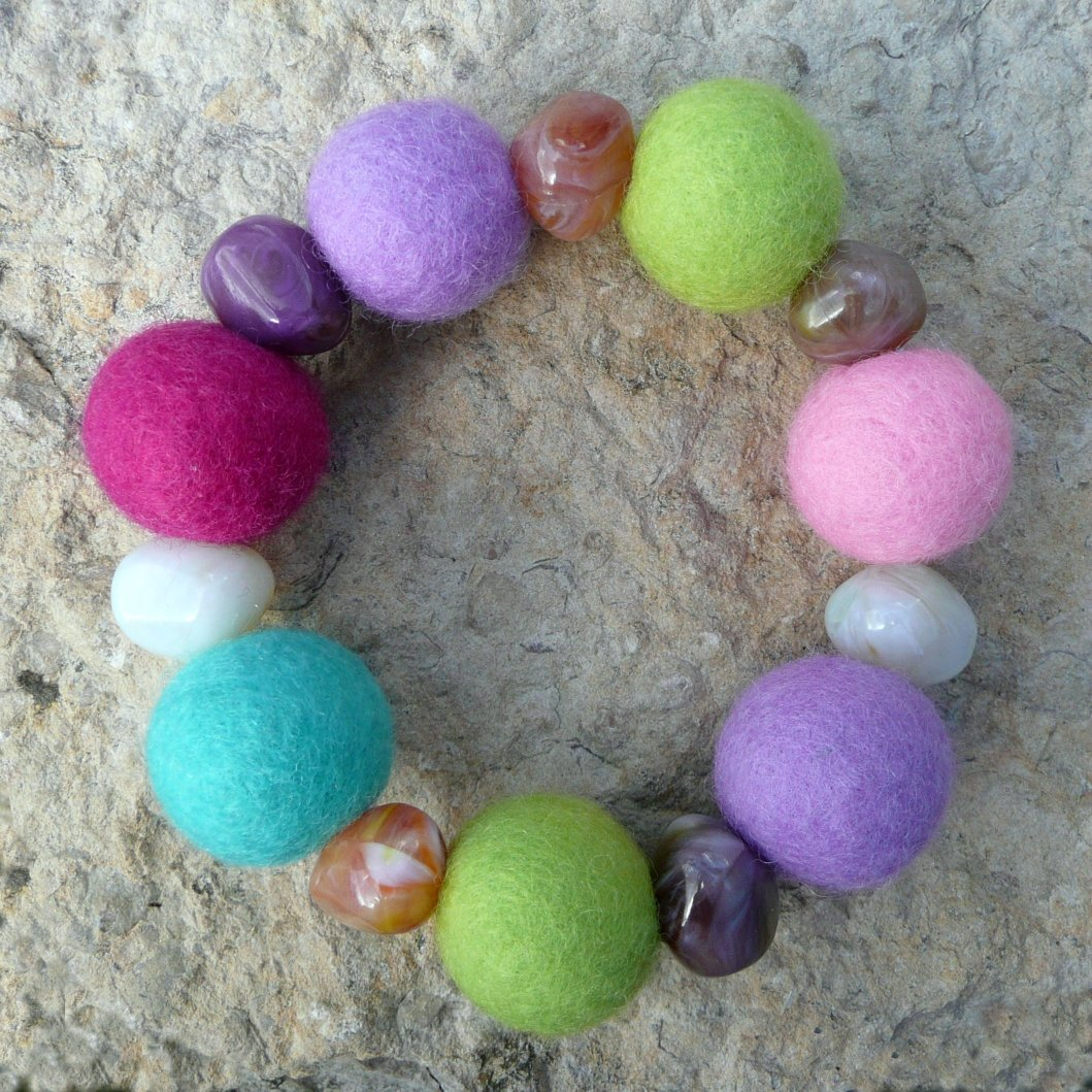 Round felt beads bracelet | DIY Felt Balls Projects And Crafting Ideas