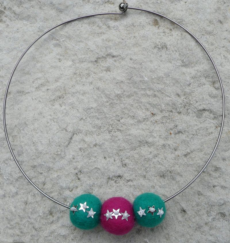 11 felt bead