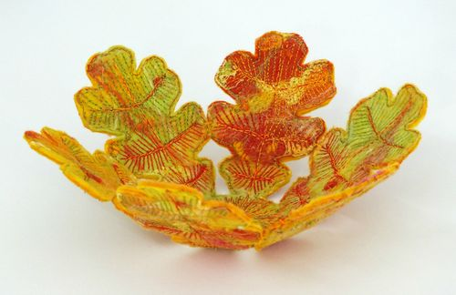 Autumn leaf bowl - felt and stitch