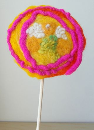 Felt_flower_on_stick