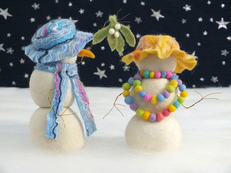 Snowman diorama - small image