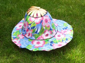 Mum's fold-up hat