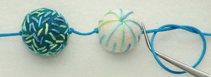 Seond felt bead