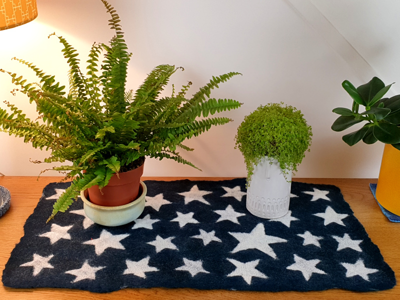 Felted_Stars_Table_Runner